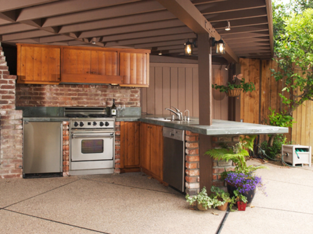 Create the ideal outdoor kitchen